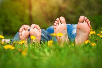 Потрескавшиеся пятки: как ухаживать за своими стопами